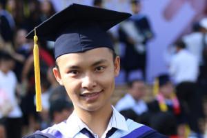 Nam sinh viên tốt nghiệp loại giỏi cùng lúc 2 ngành học tại ĐH Quốc gia TP.HCM